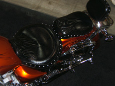 Cruiser seat with special stitching