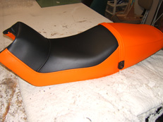 Motorcycle seat to match bike colours